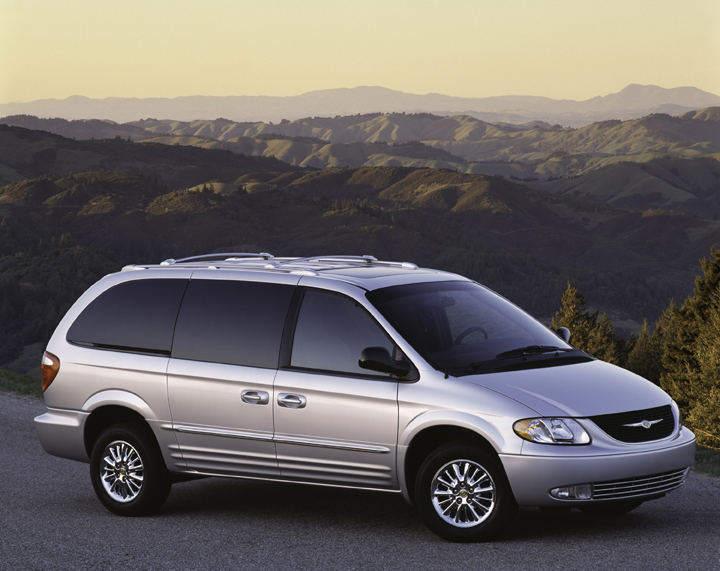 2003 chrysler town country pictures photos gallery motorauthority. Cars Review. Best American Auto & Cars Review