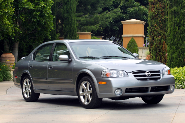Nissan Maxima L on Lincoln Ls Review 2004