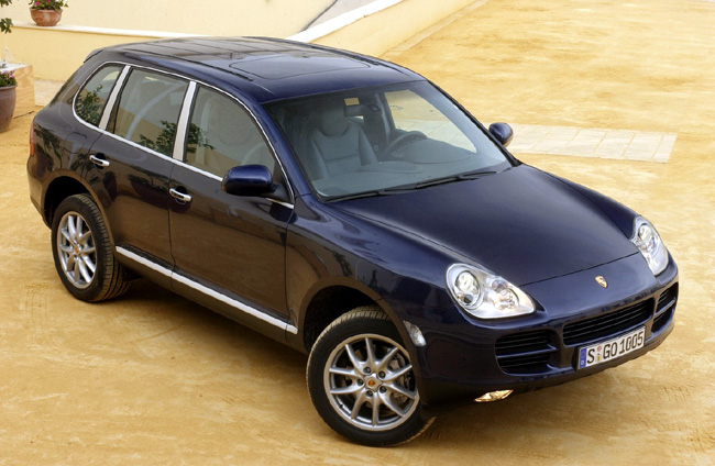 porsche bows with v 6 cayenne the car connection. Black Bedroom Furniture Sets. Home Design Ideas