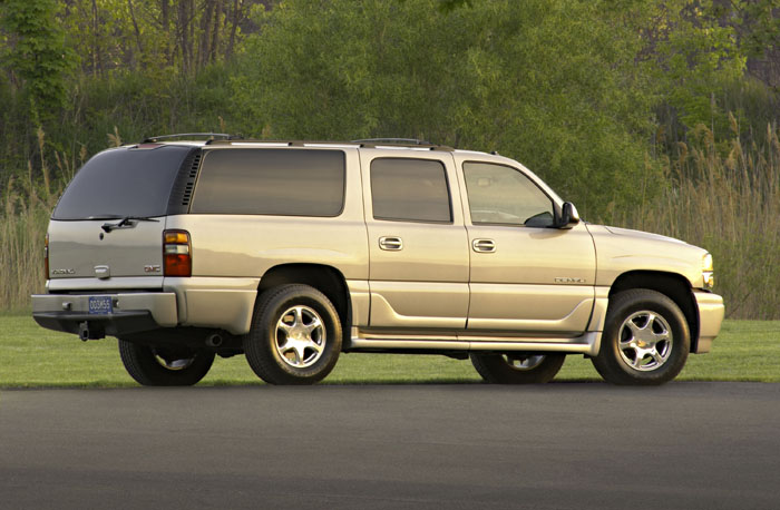 2004 gmc yukon xl denali pictures photos gallery motorauthority. Black Bedroom Furniture Sets. Home Design Ideas