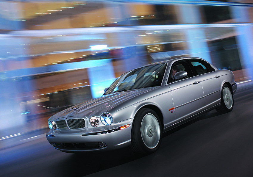 2004 jaguar xj pictures photos gallery motorauthority. Black Bedroom Furniture Sets. Home Design Ideas