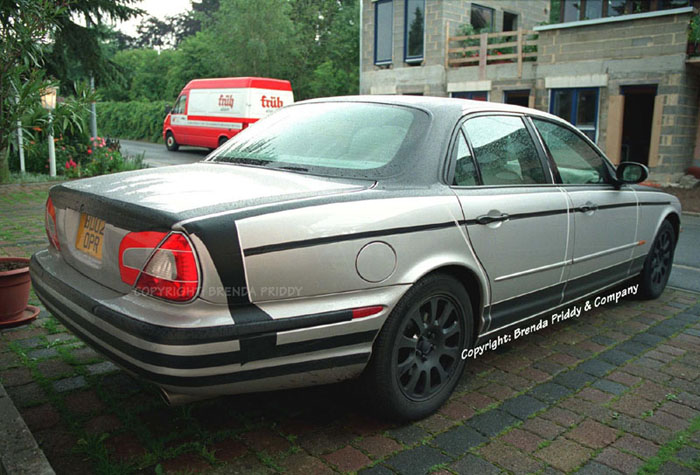 2004 Jaguar XJ spy shot