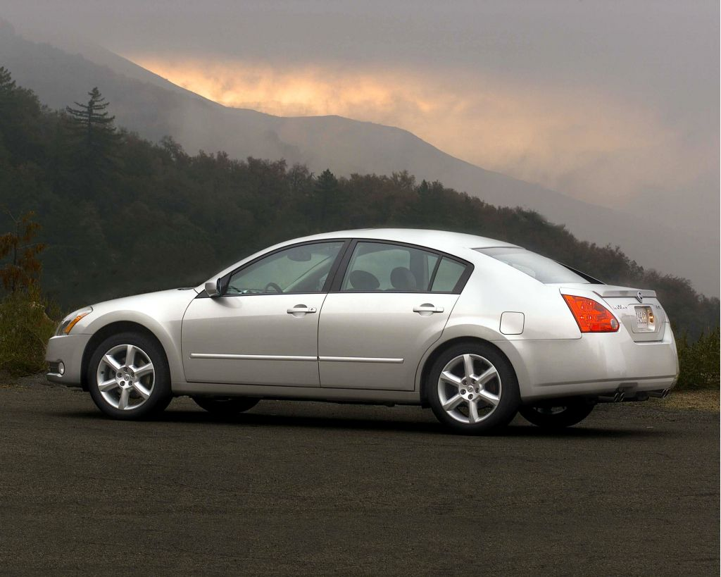 2004 Nissan Maxima Pictures/Photos Gallery
