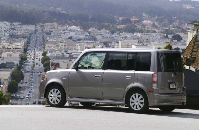 2004 scion xa and xb the car connection. Black Bedroom Furniture Sets. Home Design Ideas