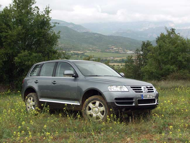 2004 volkswagen touareg vw pictures photos gallery. Black Bedroom Furniture Sets. Home Design Ideas