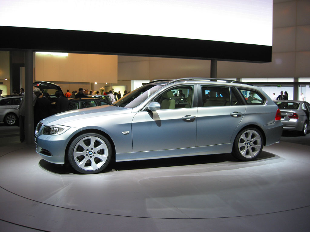 2002 2005 bmw 3 series recalled for electrical flaw. Black Bedroom Furniture Sets. Home Design Ideas