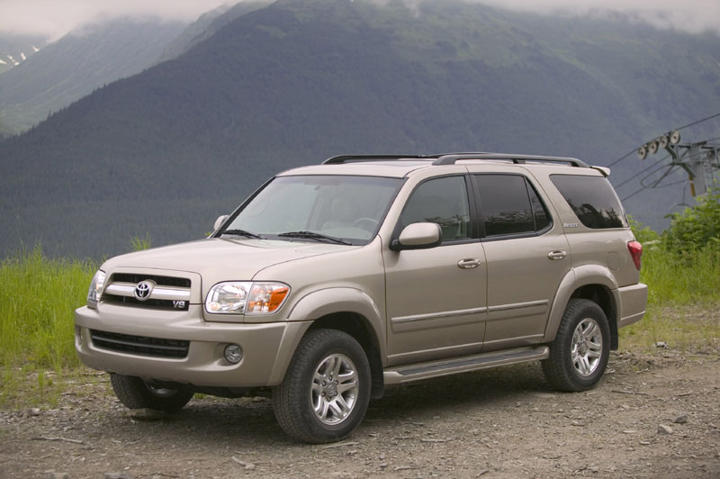 2005 toyota sequoia pictures photos gallery motorauthority. Black Bedroom Furniture Sets. Home Design Ideas