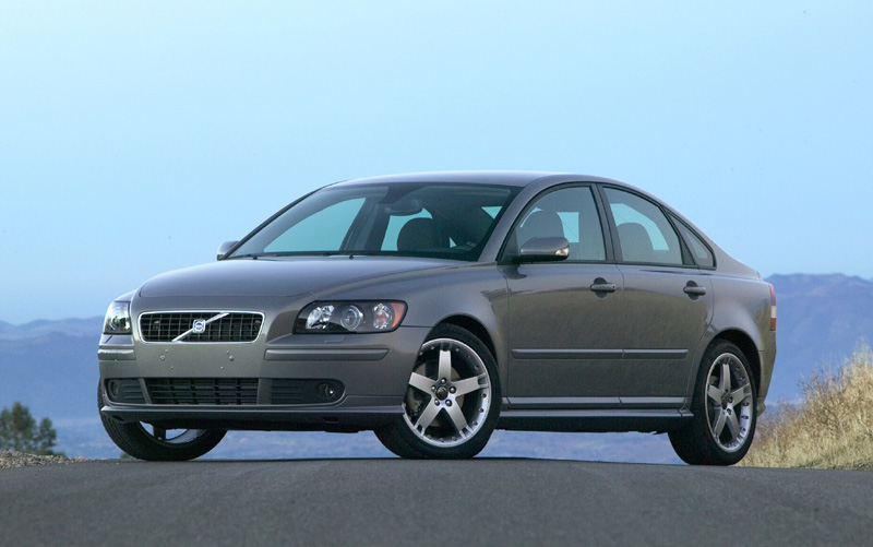 2005 volvo s40 pictures photos gallery green car reports. Black Bedroom Furniture Sets. Home Design Ideas