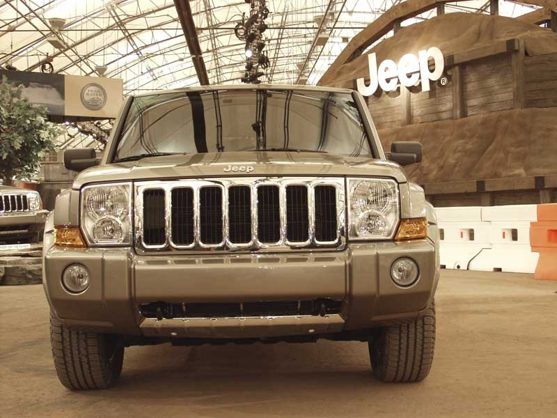2006 jeep commander pictures photos gallery the car connection. Cars Review. Best American Auto & Cars Review