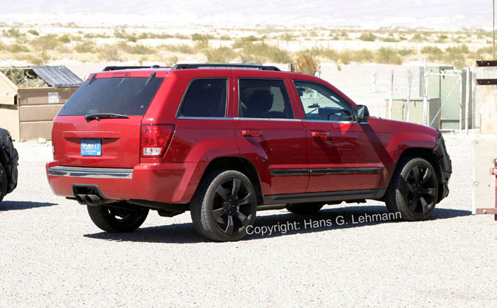Spy Shots: U002706 HEMI Grand Cherokee