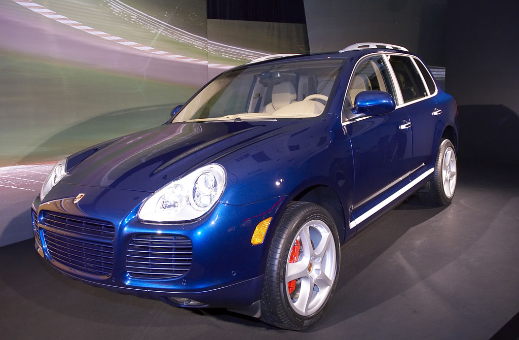 image 2006 porsche cayenne turbo size 1024 x 670 type gif posted on january 5 2006 10. Black Bedroom Furniture Sets. Home Design Ideas