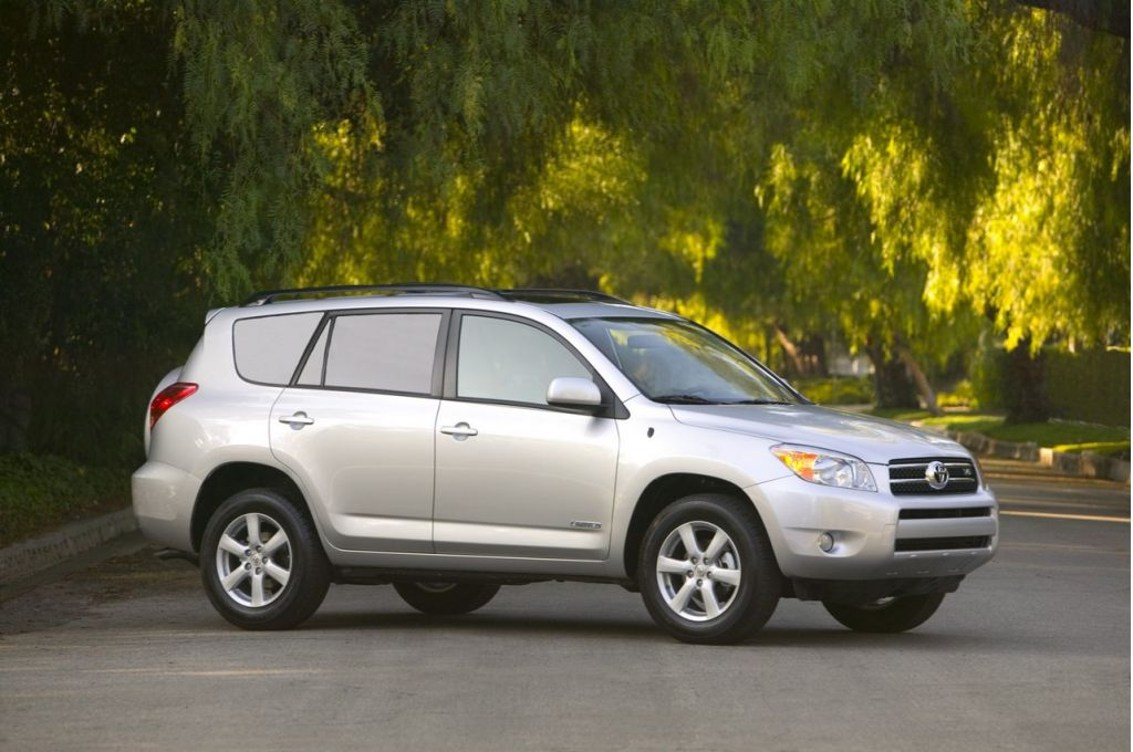 2006 toyota rav4 pictures photos gallery green car reports. Black Bedroom Furniture Sets. Home Design Ideas