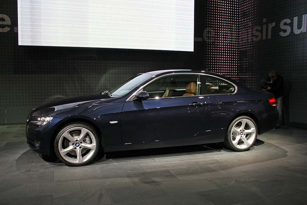 image 2007 bmw 3 series coupe paris auto show size 1024 x 683 type gif posted on. Black Bedroom Furniture Sets. Home Design Ideas