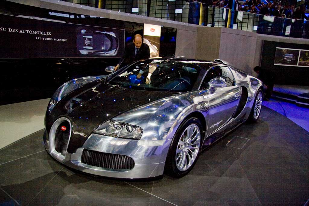 bugatti veyron pur sang 01 on the auction block at top marques monaco. Black Bedroom Furniture Sets. Home Design Ideas