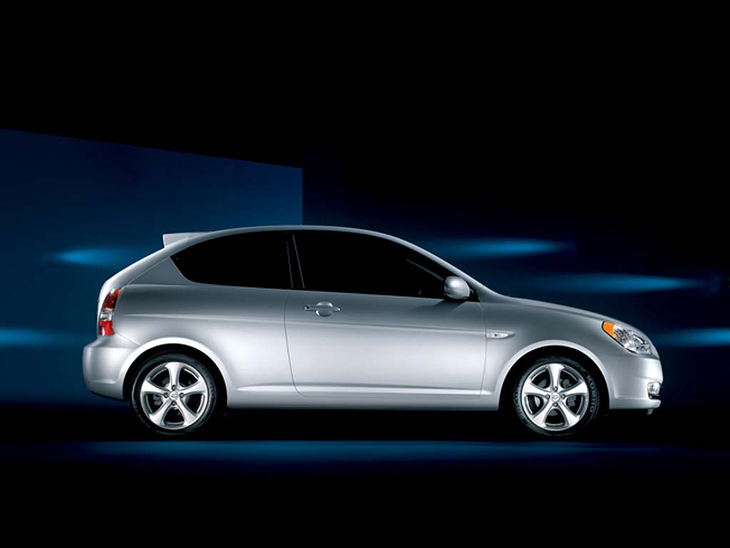 2007 hyundai accent pictures photos gallery motorauthority. Black Bedroom Furniture Sets. Home Design Ideas
