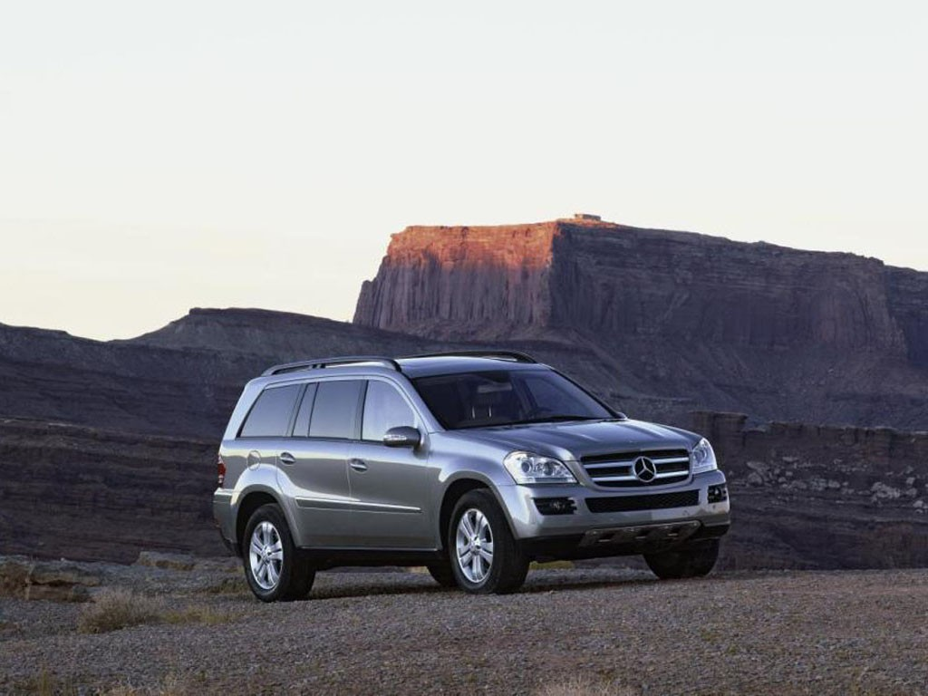 2007 mercedes benz gl class pictures photos gallery for Mercedes benz gl class mercedes suv