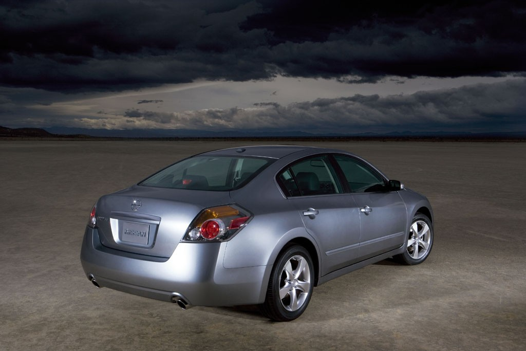 2007 nissan altima pictures photos gallery green car reports. Black Bedroom Furniture Sets. Home Design Ideas