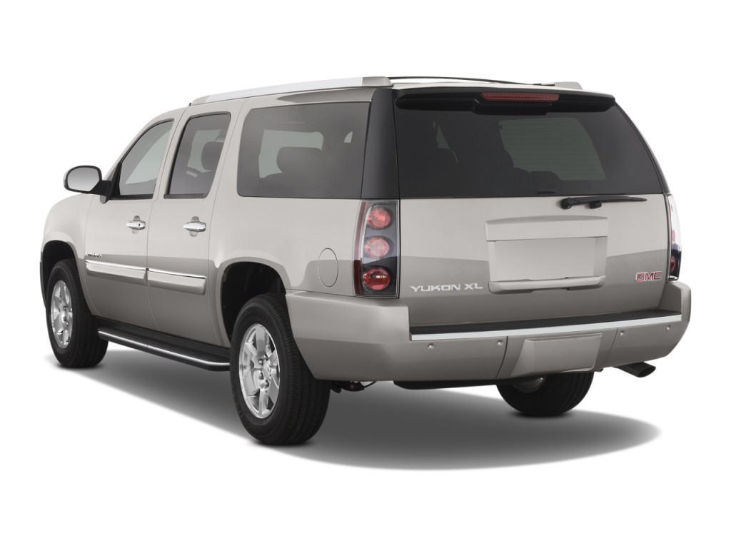 2008 GMC Yukon XL Denali AWD 4-door 1500 Angular Rear Exterior View