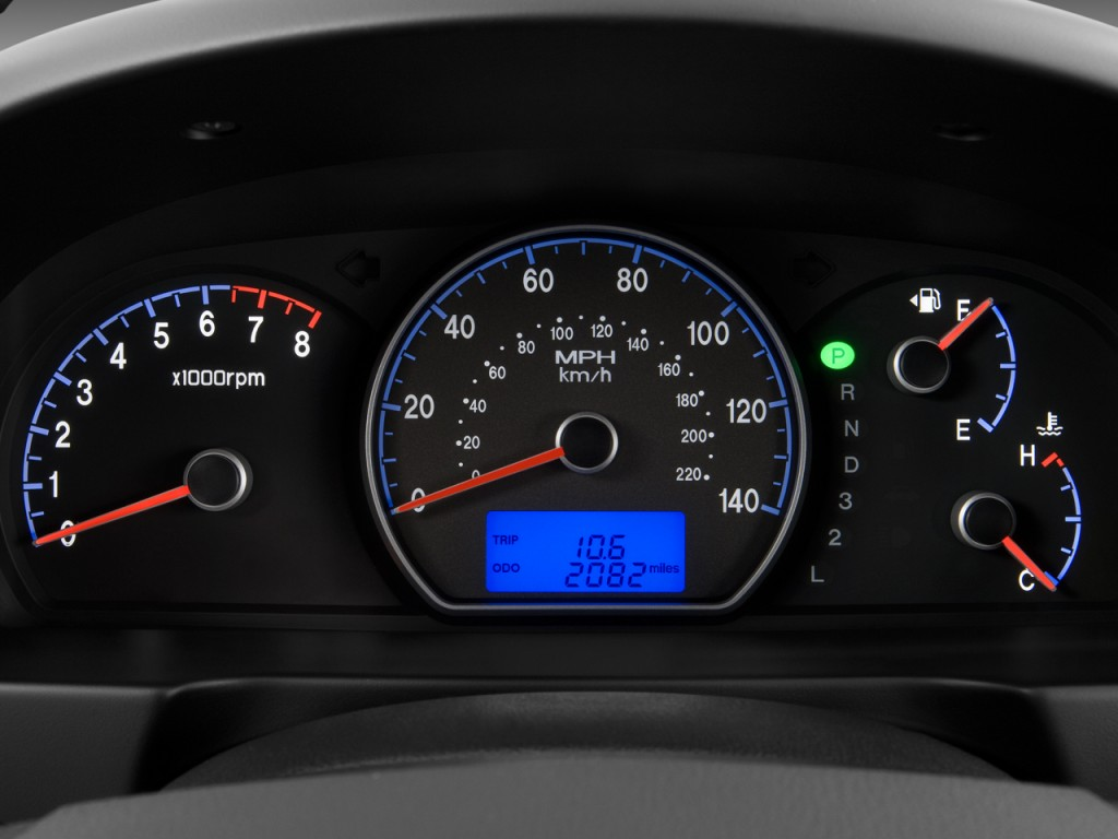 Vehicle Instrument Panel : Hyundai elantra pictures photos gallery the car