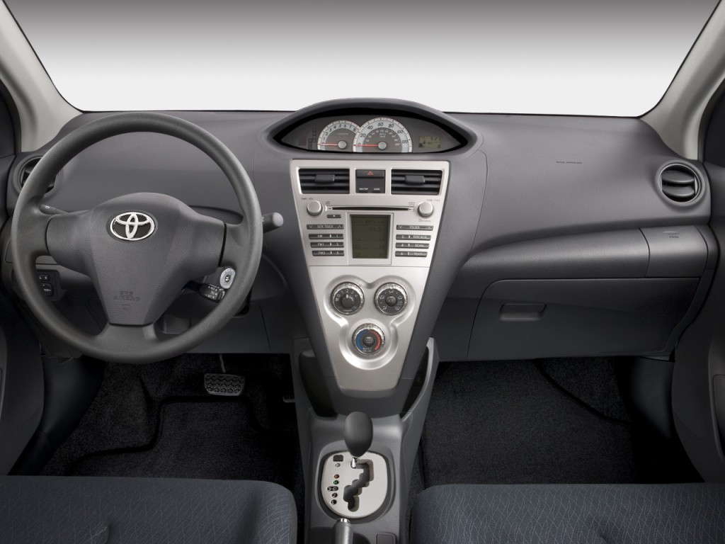 Image 2008 Toyota Yaris 4 Door Sedan Auto S Natl