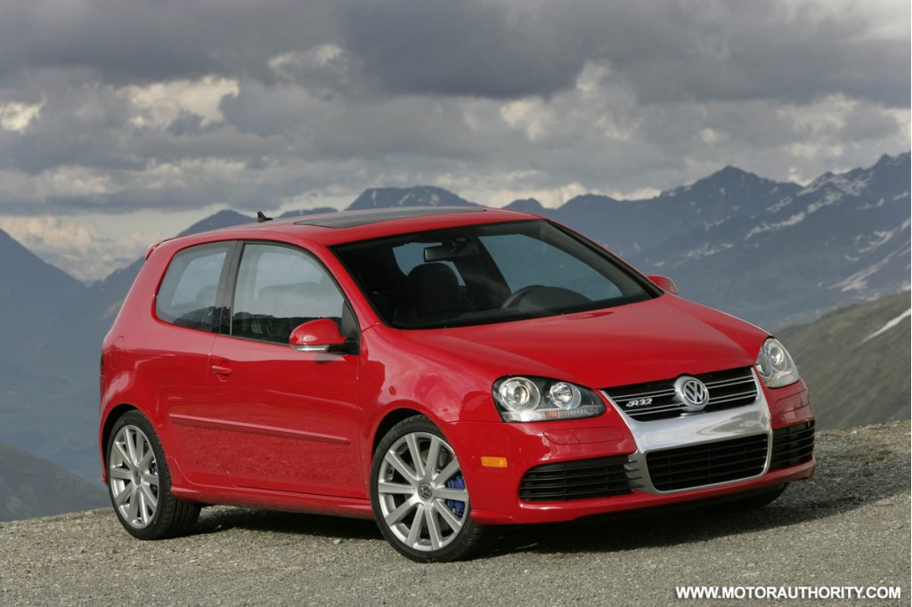 report volkswagen golf r32 dropped from u s lineup. Black Bedroom Furniture Sets. Home Design Ideas