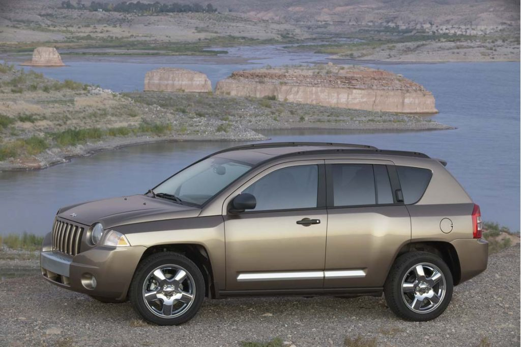 2008 jeep compass pictures photos gallery the car connection. Black Bedroom Furniture Sets. Home Design Ideas