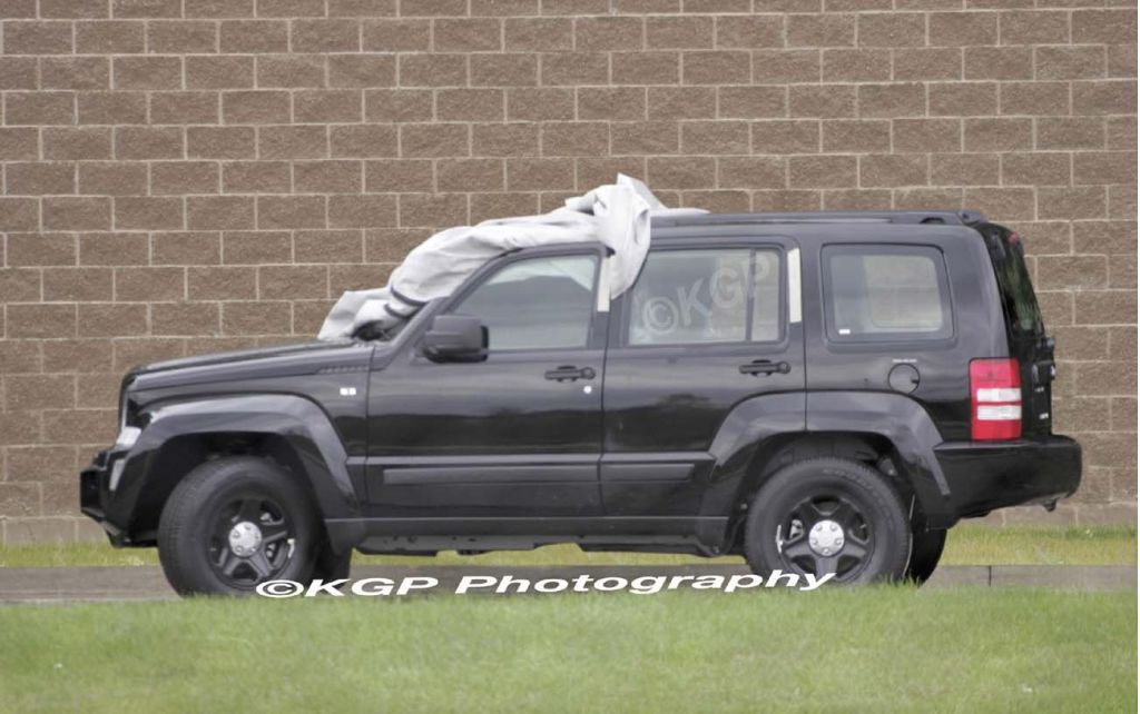 2008 jeep liberty pictures photos gallery motorauthority. Black Bedroom Furniture Sets. Home Design Ideas