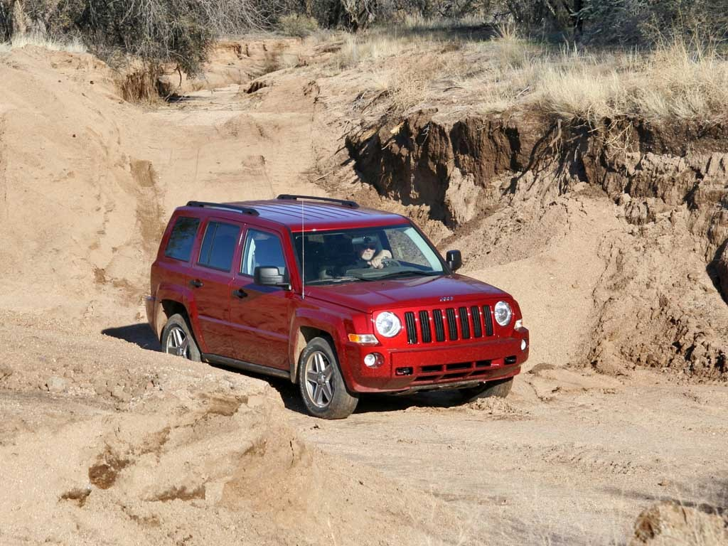 2008 jeep patriot pictures photos gallery motorauthority. Black Bedroom Furniture Sets. Home Design Ideas