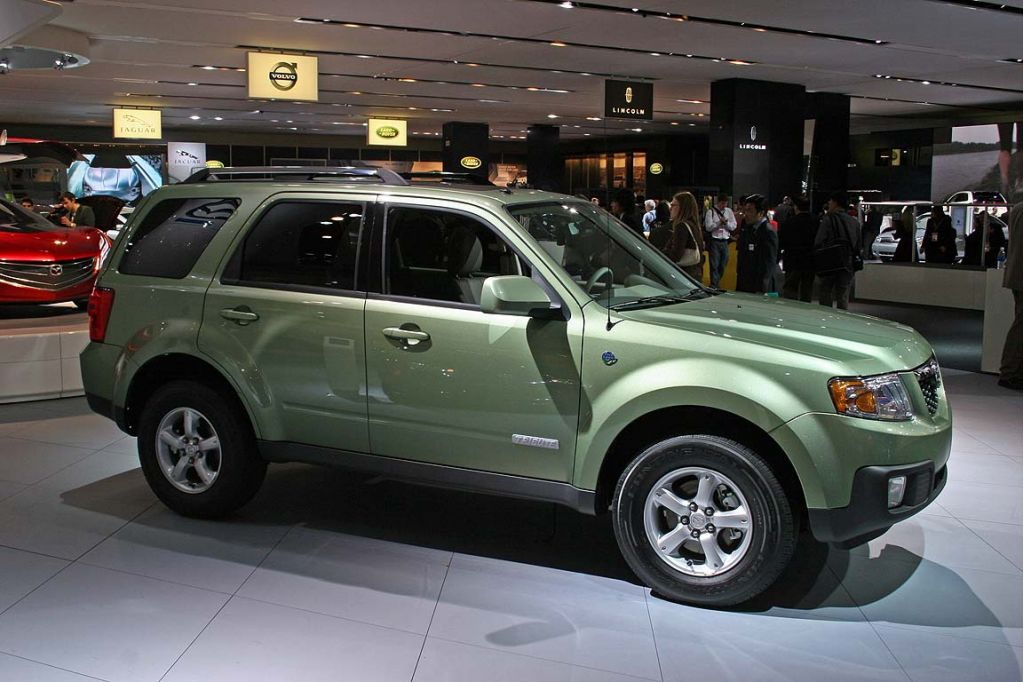 http://images.thecarconnection.com/lrg/2008_mazda_tribute_hev_100011115_l.jpg