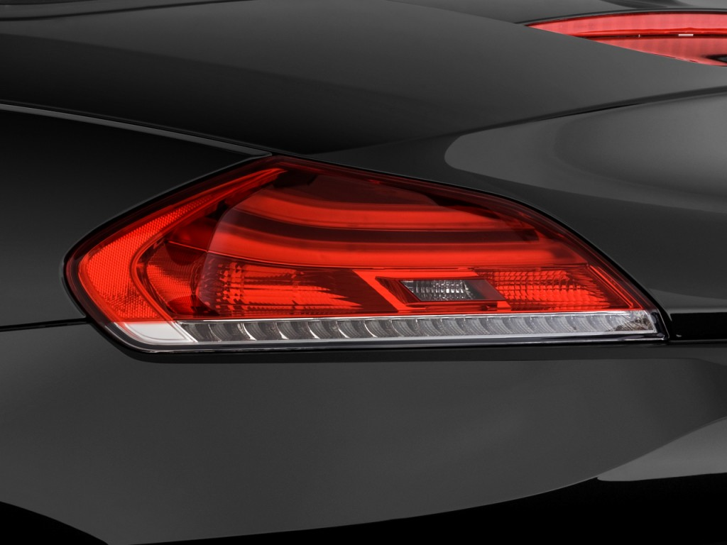 Image 2009 Bmw Z4 2 Door Roadster Sdrive30i Tail Light Size 1024 X 768 Type Gif Posted On