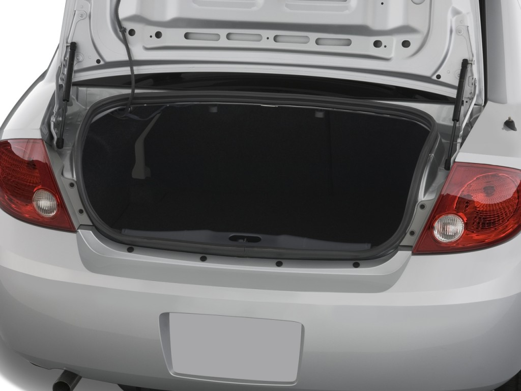image 2009 chevrolet cobalt 4 door sedan lt w 1lt trunk. Black Bedroom Furniture Sets. Home Design Ideas