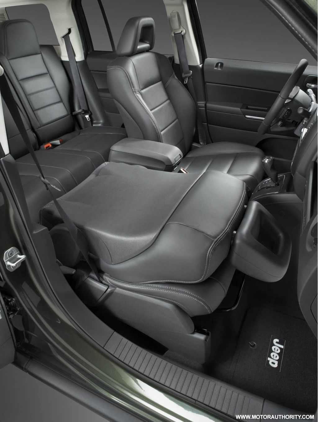 Jeep Patriot And Compass Receive Interior Updates For 2009