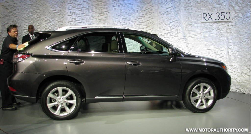 2009 lexus rx 350 reviews pictures and prices us news. Black Bedroom Furniture Sets. Home Design Ideas