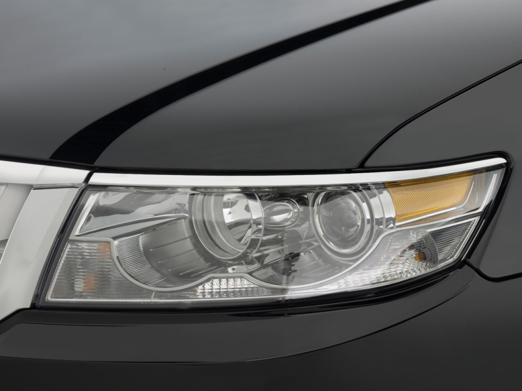 2009 Lincoln MKZ 4-door Sedan AWD Headlight