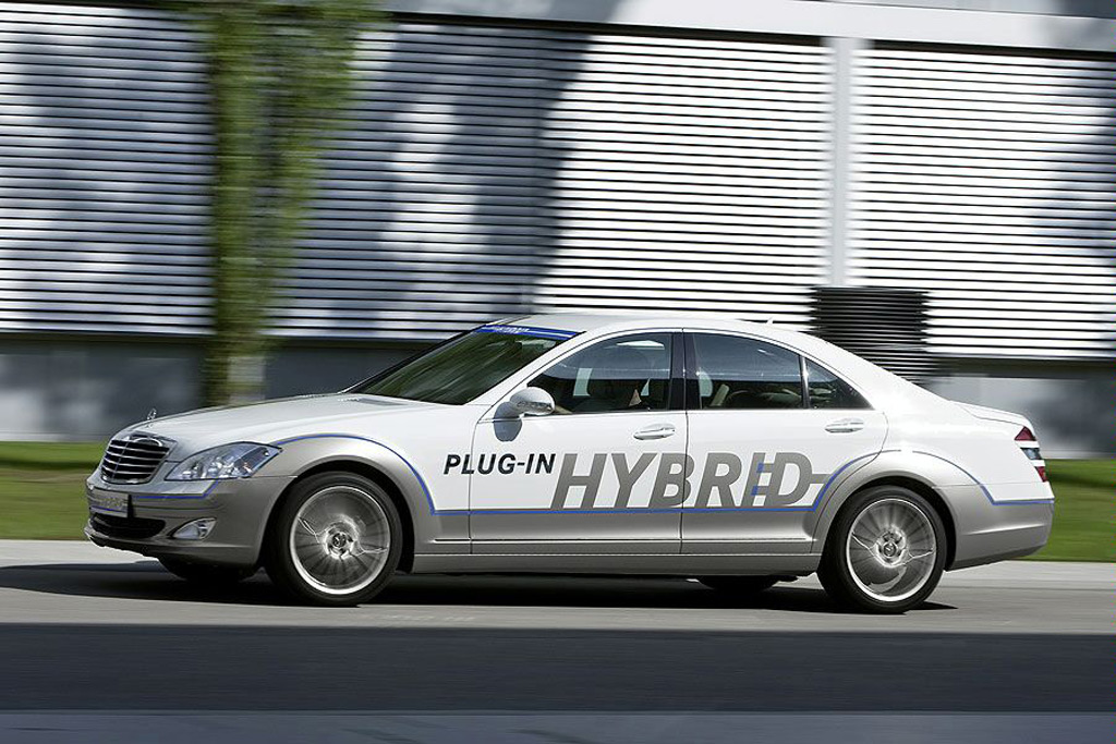 mercedes benz to launch pricey plug in hybrid s class in 2012. Black Bedroom Furniture Sets. Home Design Ideas