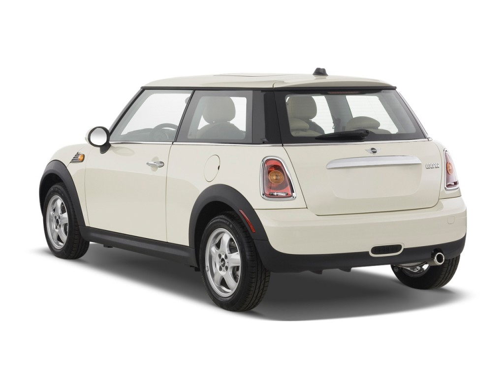 image 2009 mini cooper hardtop 2 door coupe angular rear exterior view size 1024 x 768 type. Black Bedroom Furniture Sets. Home Design Ideas