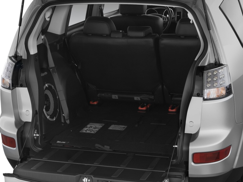 Image: 2009 Mitsubishi Outlander AWD 4-door XLS Trunk, size: 1024 x 768, type: gif, posted on ...
