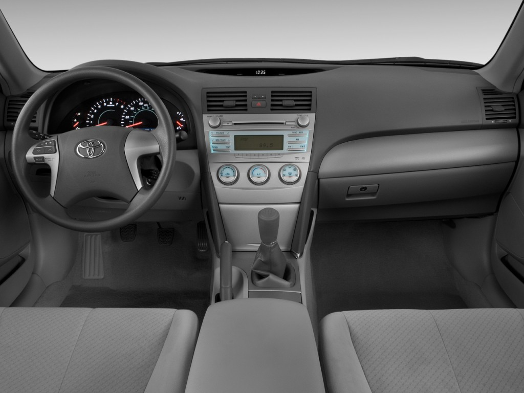 image 2009 toyota camry 4 door sedan i4 auto natl. Black Bedroom Furniture Sets. Home Design Ideas
