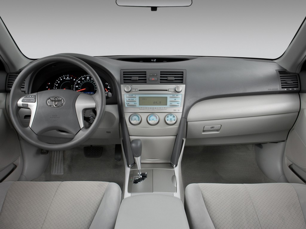 2009 Toyota Camry Le V6 Mpg