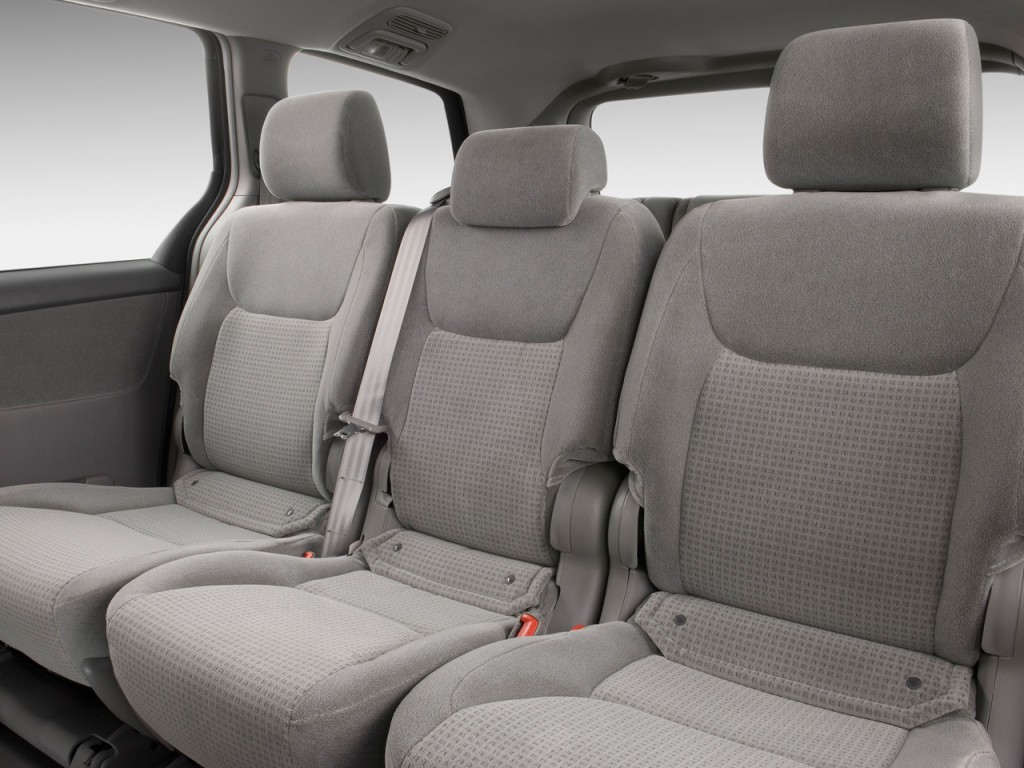 image 2009 toyota sienna 5dr 8 pass van ce fwd natl. Black Bedroom Furniture Sets. Home Design Ideas