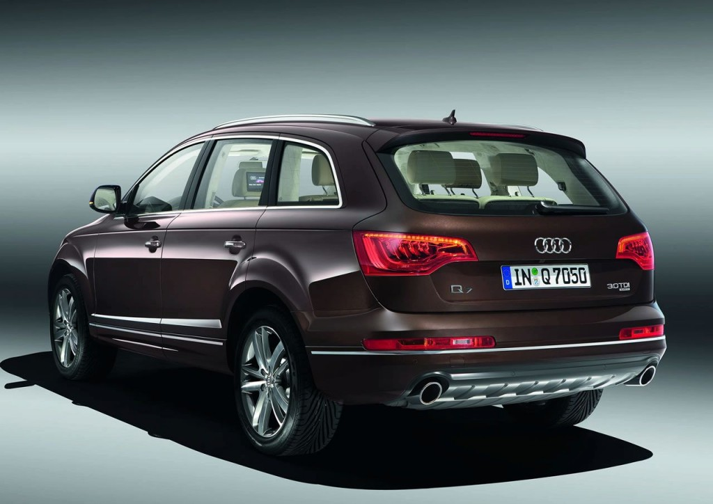 2010 audi q7 pictures photos gallery the car connection. Black Bedroom Furniture Sets. Home Design Ideas