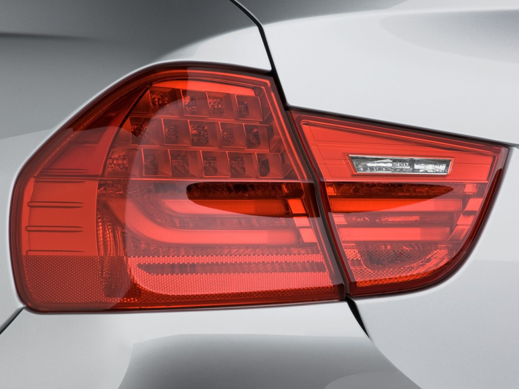 Image 2010 Bmw 3 Series 4 Door Sedan 328i Rwd Tail Light