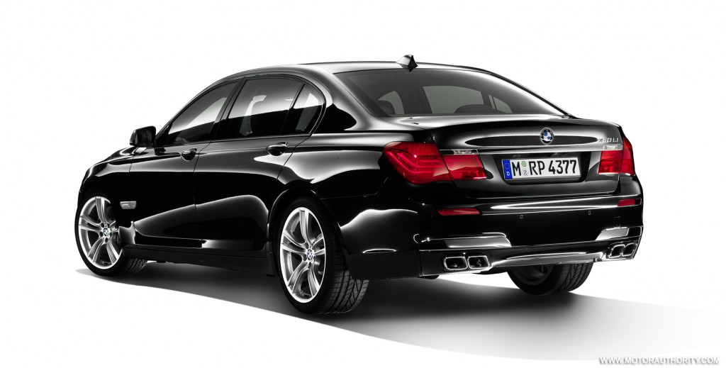 bmw releases new photos of m sport package for 7 series. Black Bedroom Furniture Sets. Home Design Ideas