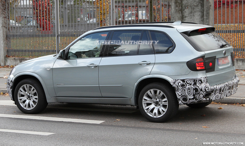 spy shots 2010 bmw x5 facelift. Black Bedroom Furniture Sets. Home Design Ideas