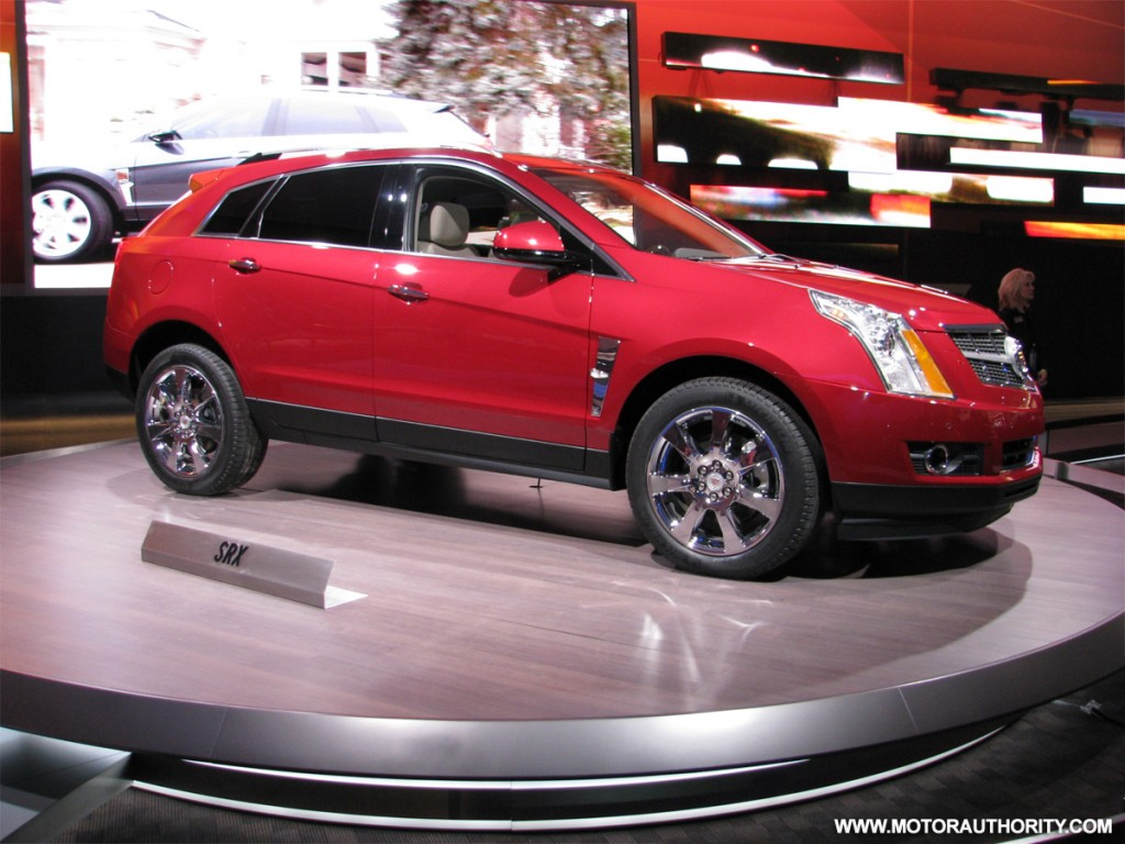 cadillac srx goes on sale this summer priced from 34 155. Black Bedroom Furniture Sets. Home Design Ideas