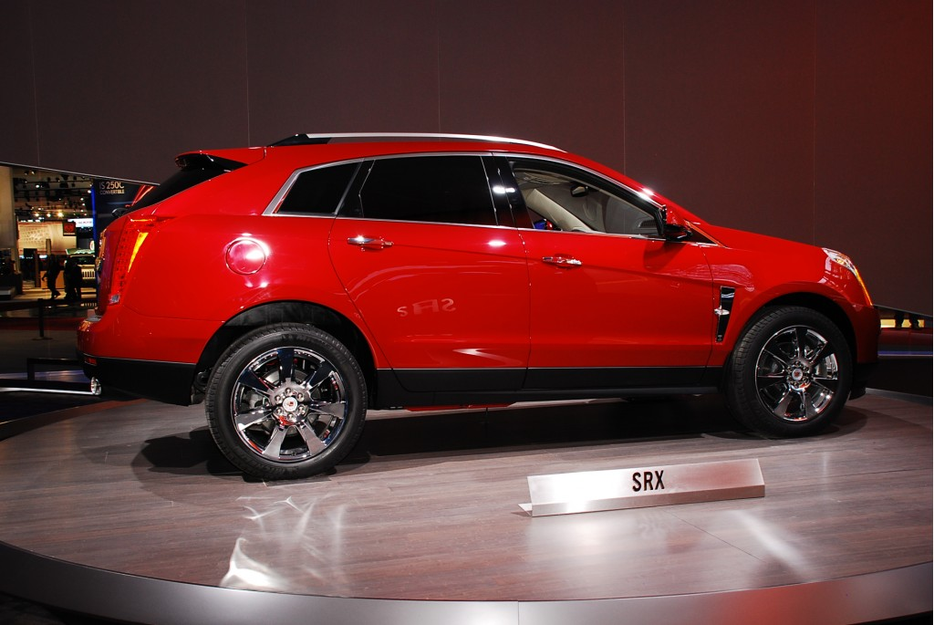 cadillac srx unveiled ahead of 2009 detroit auto show. Black Bedroom Furniture Sets. Home Design Ideas