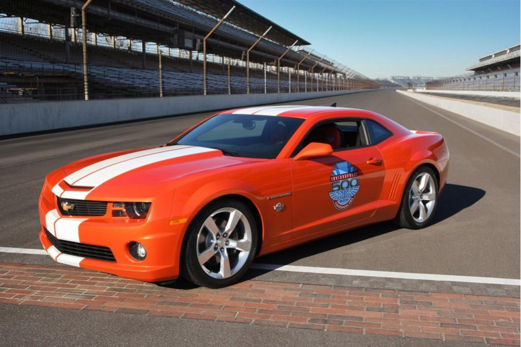 chevrolet to build just 200 2010 camaro ss indy 500 pace car replicas. Black Bedroom Furniture Sets. Home Design Ideas