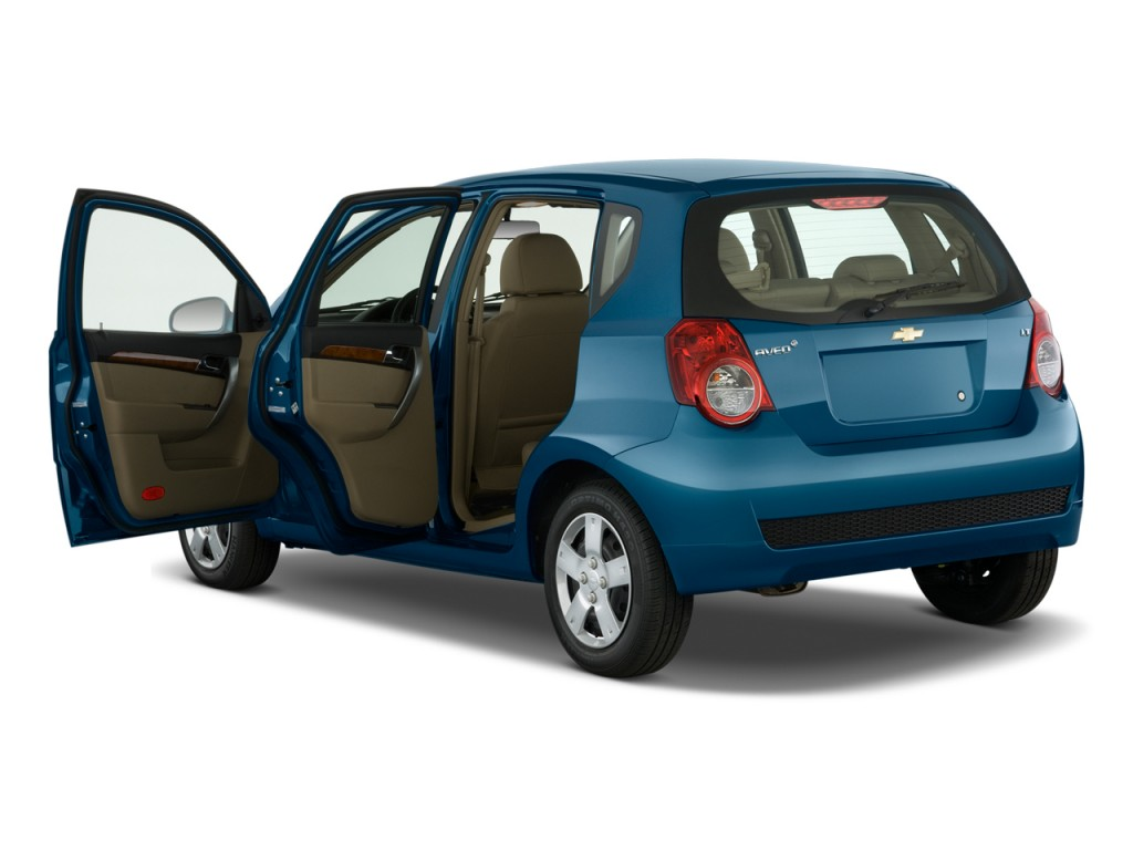 2010 chevrolet aveo chevy pictures photos gallery the car connection. Black Bedroom Furniture Sets. Home Design Ideas
