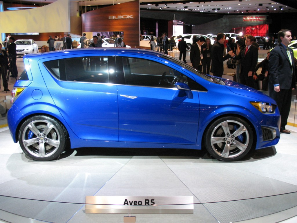 2010 detroit auto show 2011 chevrolet aveo rs concept live gallery. Black Bedroom Furniture Sets. Home Design Ideas