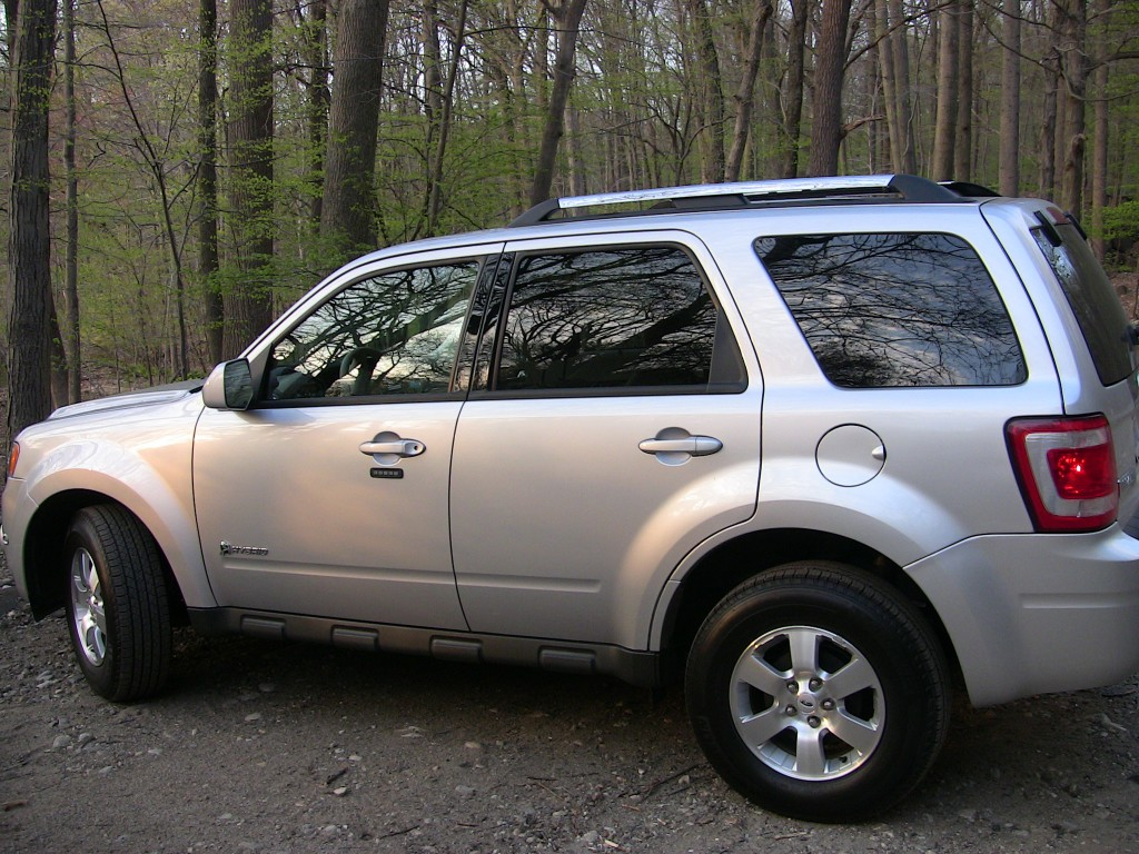2010 Ford Escape Hybrid Pictures/Photos Gallery - MotorAuthority
